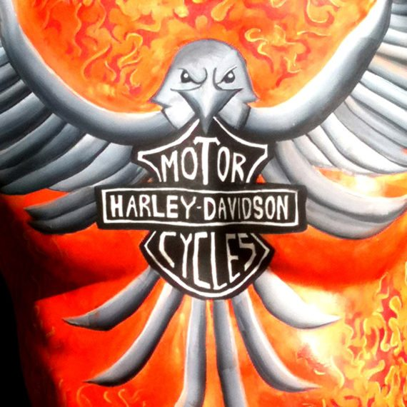 Bodypainting Harley Davidson