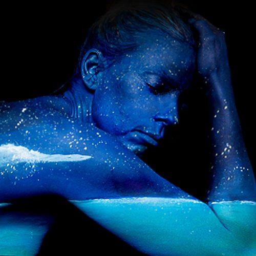 Bodypainting art Blue Moon