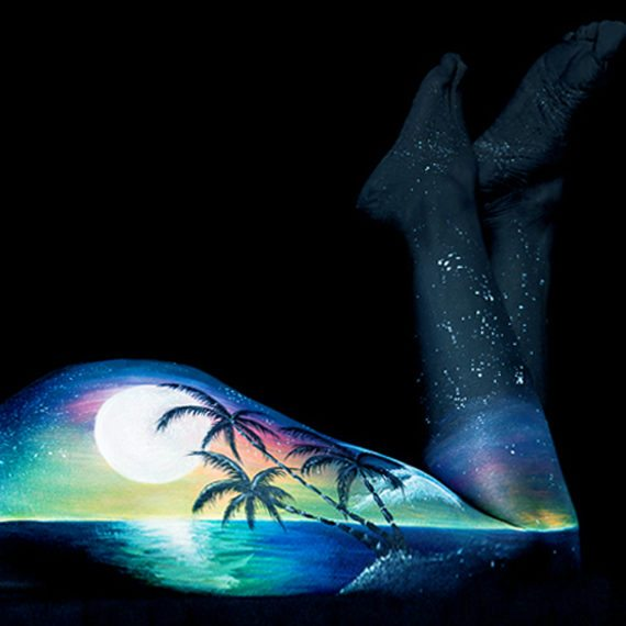 Bodypainting art Dusk Moon