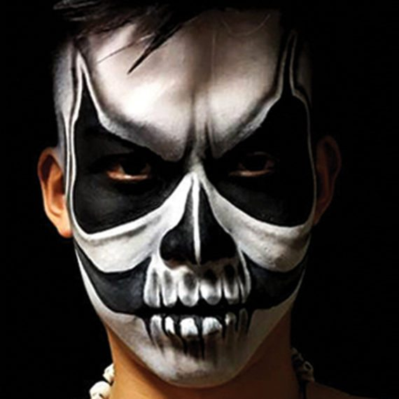 Bodypainting Halloween Skeleton 4