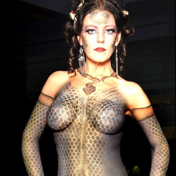 Bodypainting Halloween Snake woman
