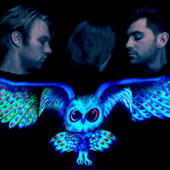 UV neon body painting owl